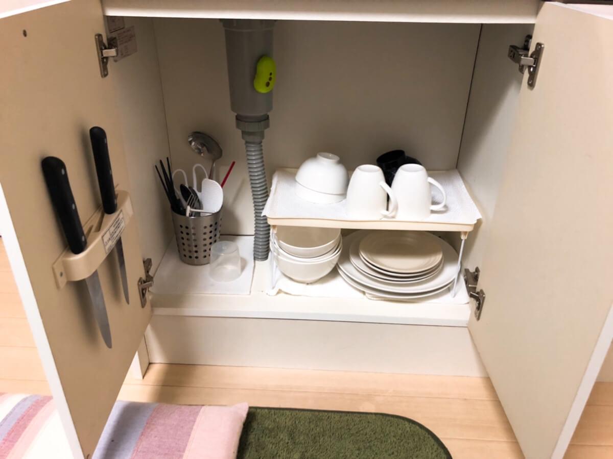食器やお箸の写真